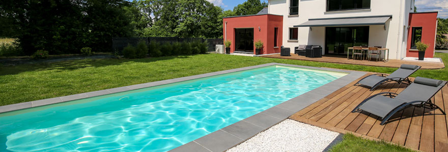 Installation de piscine extérieure